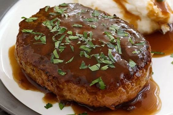 Salisbury Steak with Mashed Potatoes & Gravy- made with stove top stuffing mix!