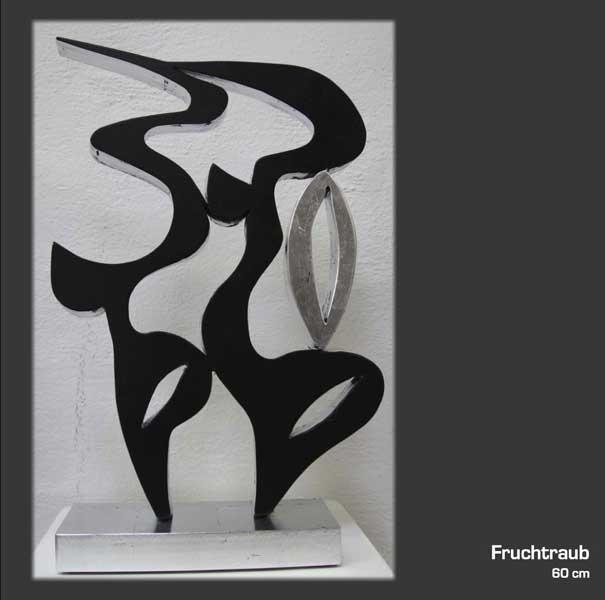 Fruchtraub...eine Skulptur in den Ausstellungsräumen der Kunstagentur Bild & Raum