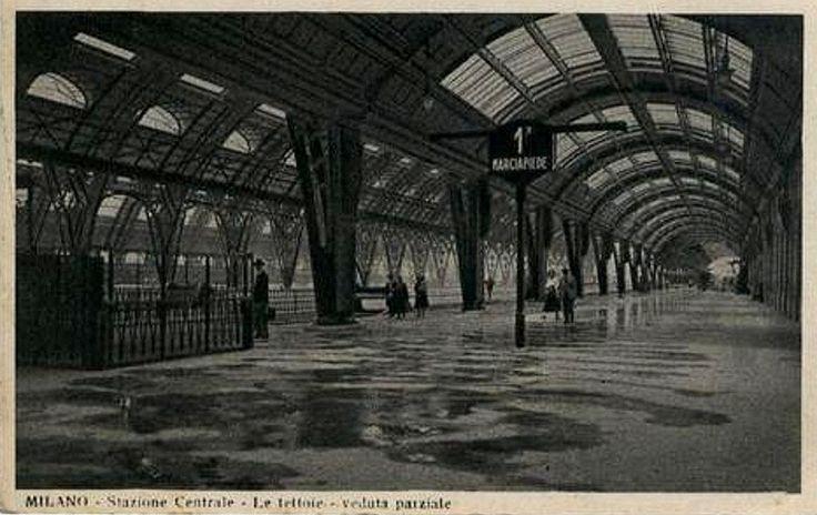 stazione centrale, binario 1, ora 21, davanti al padiglione reale, anni '30   da Milàn l'era inscì