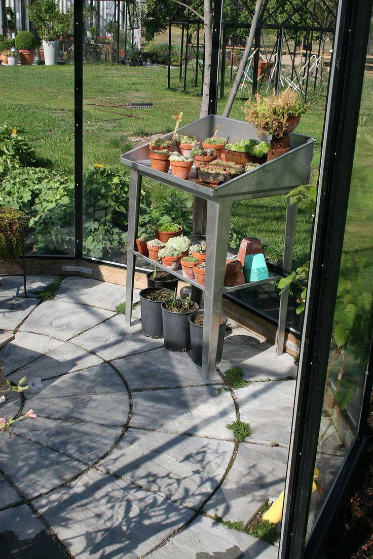Planting in the garden. Starka Bradstone circle.
