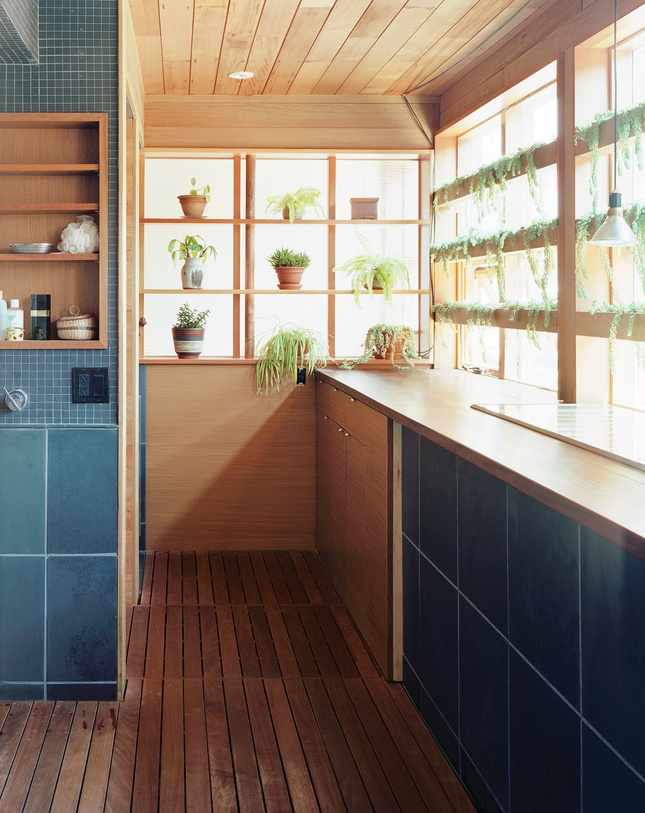 courtyard house after kitchen: House Tours, Interior, Laundry Bathroom, Idea, Modern Laundry Rooms, Window, Kitchen, Photo