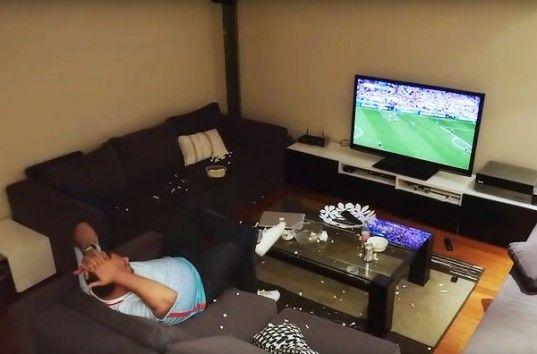 Неудачная шутка жены во время матча ЕВРО-2016 стоила семье телевизора и MacBook-а (ВИДЕО)