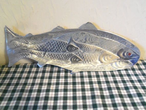 1986 Arthur Court 19 Fish Tray With Red Eye
