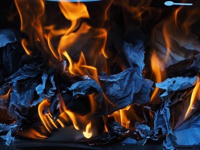 Covesia.com - Ruangan server Badan Meteorologi Klimatologi dan Geofisika (BMKG) Padang Panjang, Sumatera Barat, meledak dan menyebabkan kobaran api di...