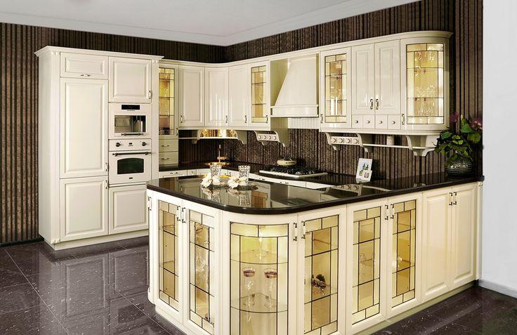 rustikalna kuchyna HANAK na mieru, luxusny styl vidieckej kuchyne v matnom laku s vyraznymi sklenenymi dvierkami