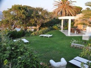 Villa les pieds dans l'eau sur les rives du golfe d'AjaccioLocation de vacances à partir de Porticcio @HomeAway! #vacation #rental #travel #homeaway
