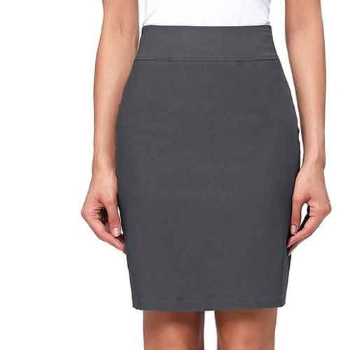 Haley Quinn spotted wearing dark grey short skirt almost everytime with the her labcoat even in recent apperance the Austrialian actress Margot Robbie spotted attiring this skirt during interviewing Joker.