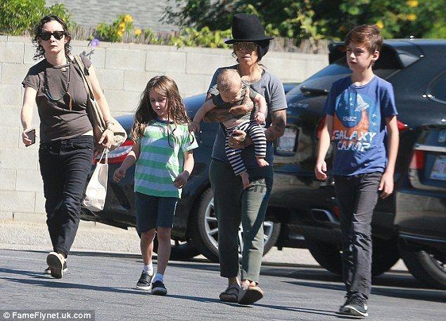 Family lunchtime:Sara enjoyed lunch with her family, Sawyer Gilbert-Adler, Rhodes Gilbert...