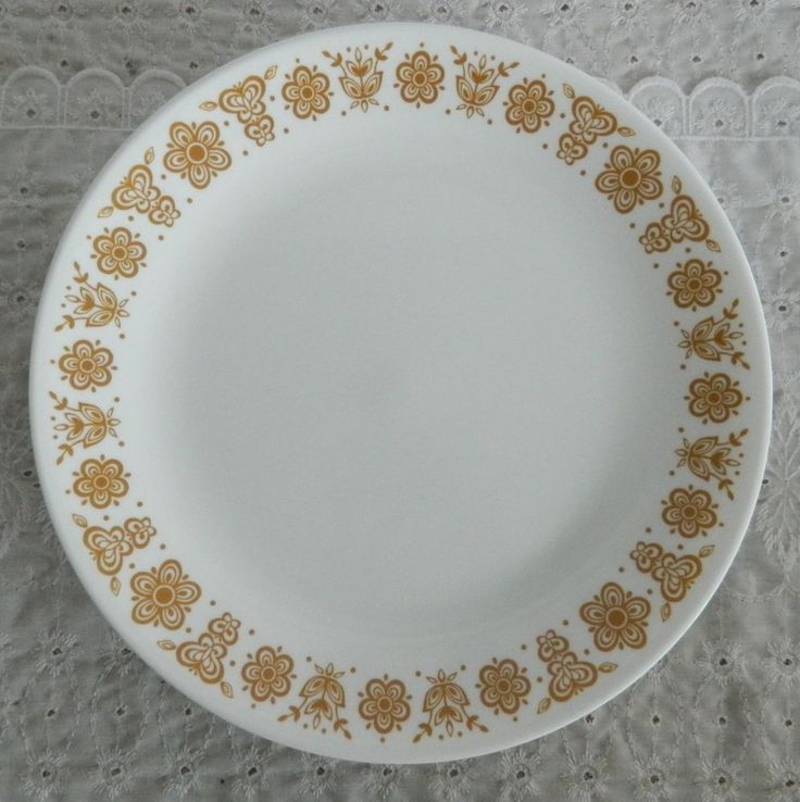 Set of 4 Corelle by Corning Butterfly Gold 8 10 Dinner Plates & 71 best Corning Corelle Pyrex Classics images on Pinterest   Pyrex ...