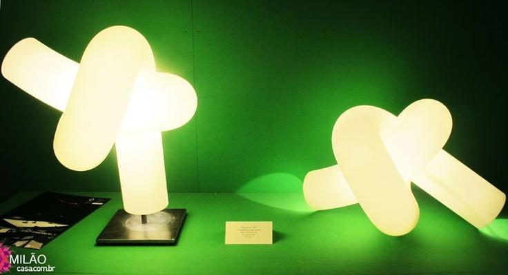 luminária de mesa Knot, de Ingo Maurer