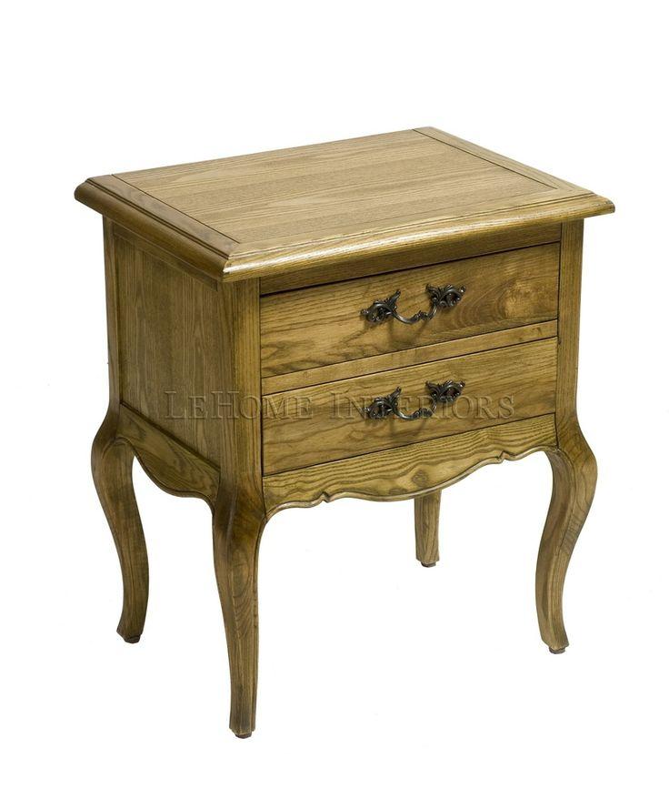 Тумбочка Riviere Bedside Table. Прикроватная тумбочка, выполненная во французских традициях 19 века. Ручная работа, декоративная резьба по низу. 2 выдвижных ящика. Фурнитура выполнена из меди.