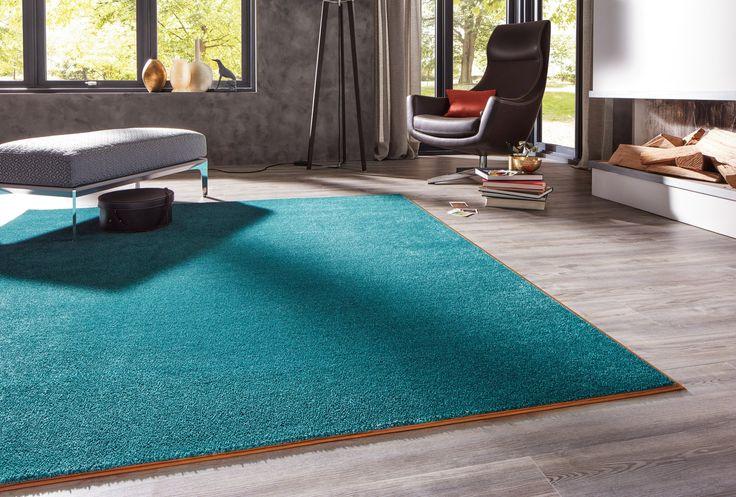 Farbhighlights können auch am Boden gesetzt werden - z.B. mit einem farbigen Teppich von JAB.