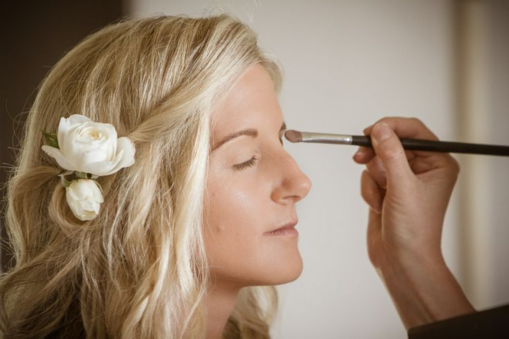 Loved doing makeup & hair for Kerry-Ann's big day ...fresh flowers is always a beautiful accessory for hair!  Makeup was kept natural and fresh.