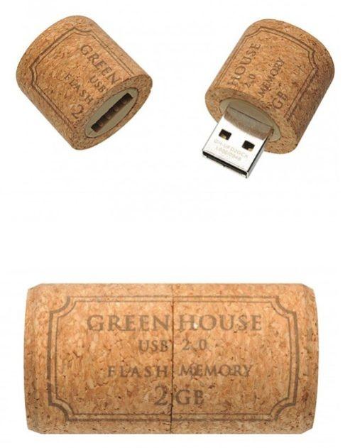 Wine Cork USB Drive - so cute!- regalo per zio Paolo?