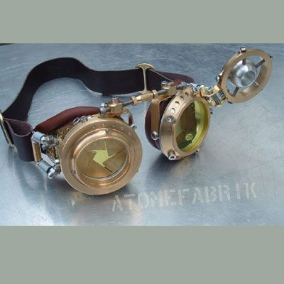 Ultra awesome steampunk goggles with iris that closes....so want to figure out a way I could make some awesome glasses like this...how does that iris think work anyway #engineers