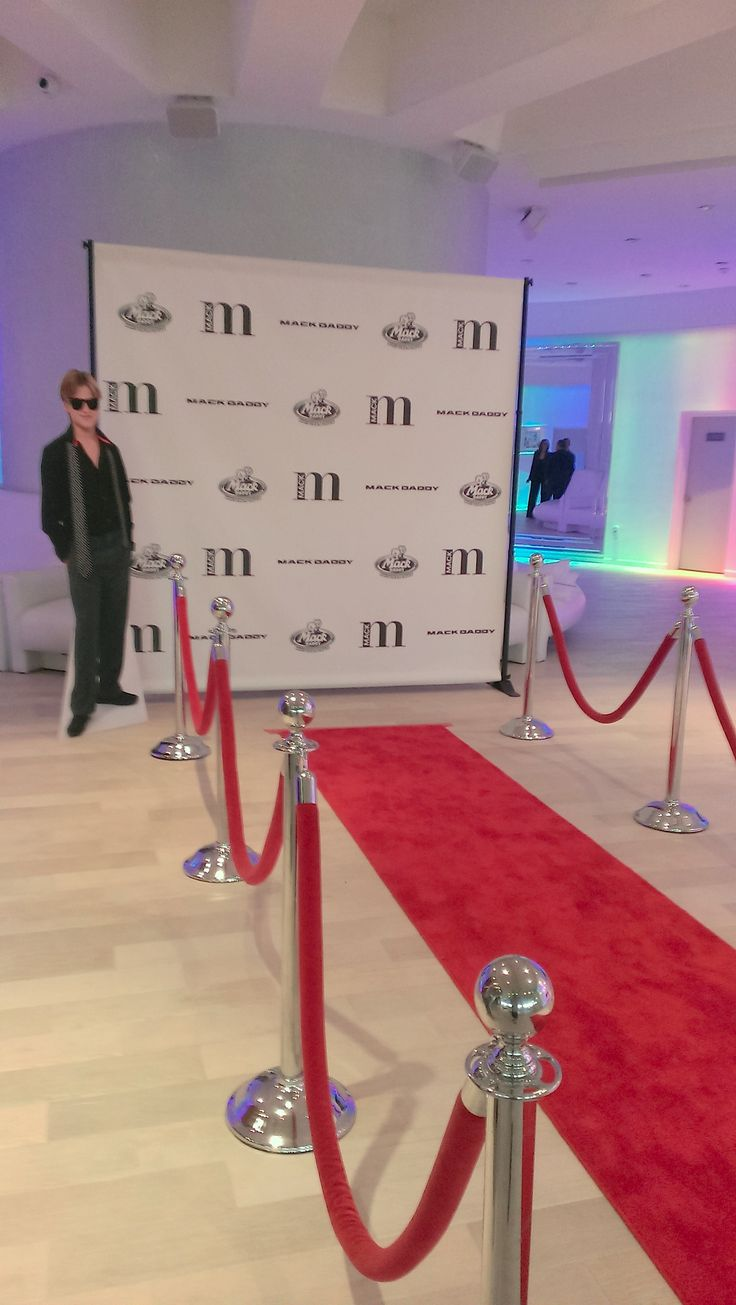 24294f extendable glass dining table - Walk Down The Red Carpet In Style To Your Personalized Step Repeat Banner With Your