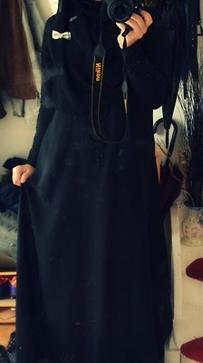 Nothing beats classic black. #hijab #abaya