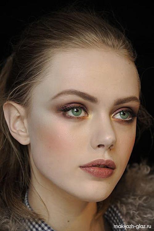 Их макияж голубые глаза пепельно-русый цвет волос отважного герцога