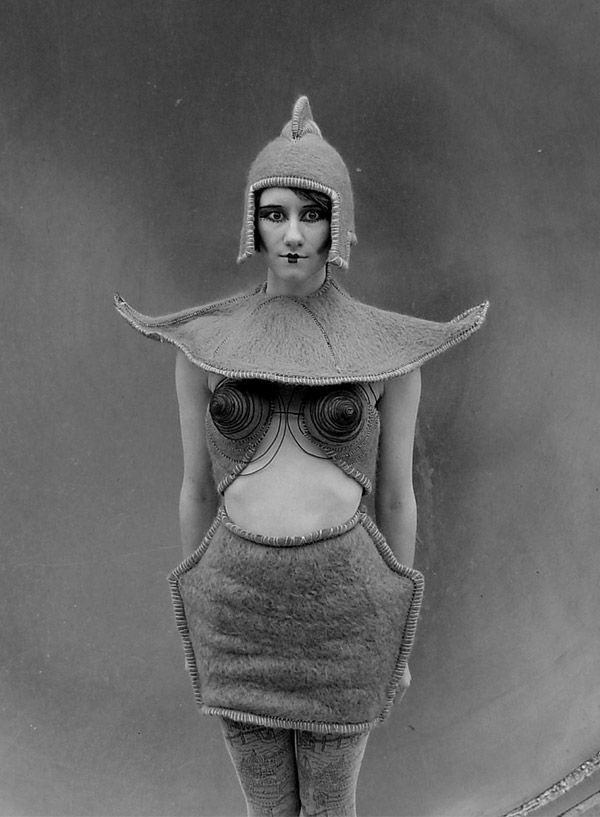 Alien Robot Costume Transports You Back to the 1920s. @designerwallace