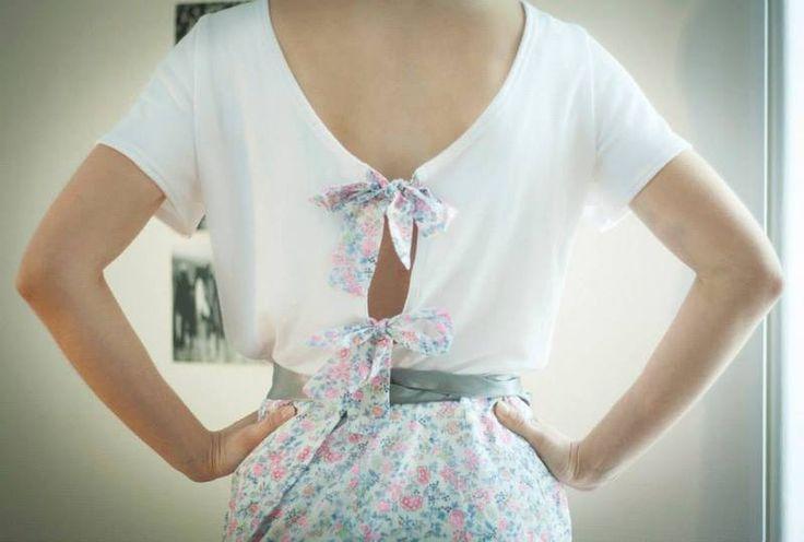 Top uni à noeuds #fleuris dans le dos, coupe large, parfait pour vos looks estivaux ! Par Seven Lane sur DaWanda.com // #Flower #Look #spring #SS15