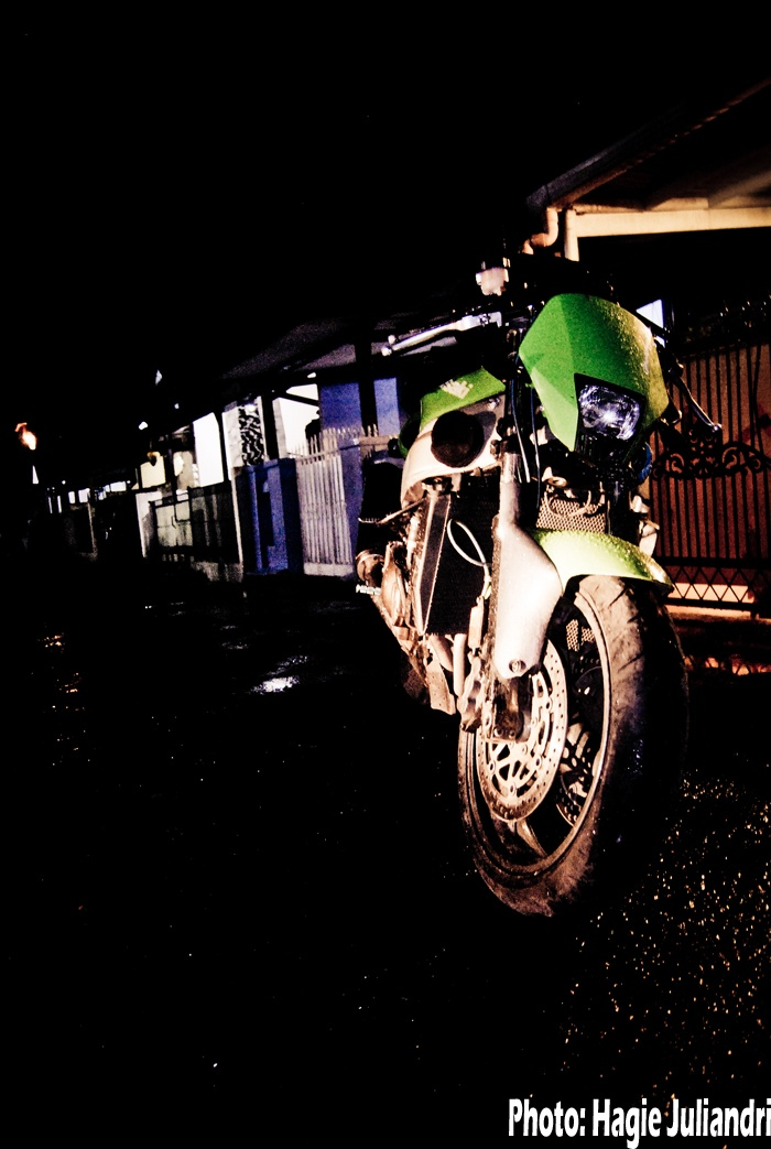 """kawasaki ZX 9 R which you can call her """"Kermit"""""""