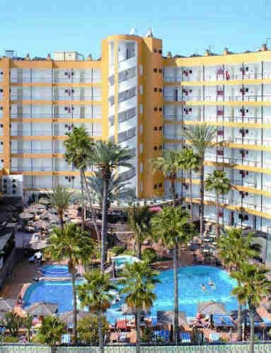 Maritim Playa Playa del Inglés This large apartment complex is set in the centre of lively Playa del Ingles, on the island of Gran Canaria, and is ideal accommodation for a fun-filled family holiday in the sunshine.