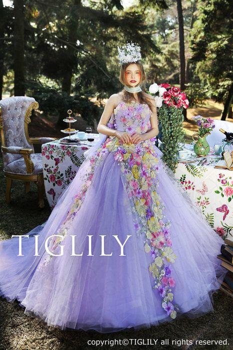 【ビオラViola】(c158)お花をたくさん使った深めのパープルのカラードレス。取り外し可能なオフショルダーとバックリボン付き。TIGLILY(ティグリリィ)ブランド