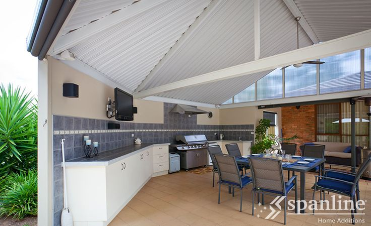 Outdoor kitchen and entertainment area design ideas by Spanline. Australian made, for Australian conditions.