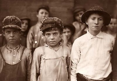 Old Picture of the Day: Cotton Mill Workers