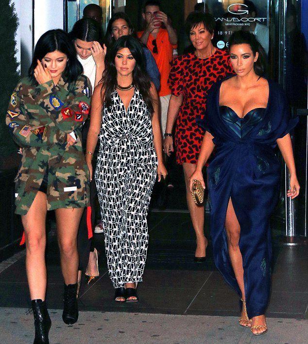 Kim Kardashian: Πιο σέξι απ' όλες στο πάρτι της αδερφής της