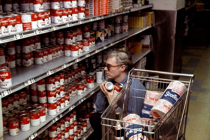 Bob Adelman, Andy Warhol in Gristedes supermarket (1965)