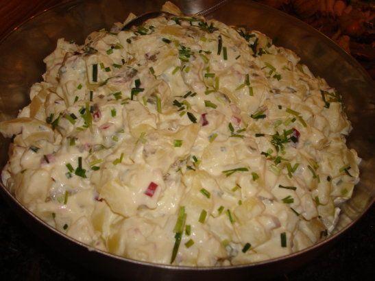 Supergod potatissallad - http://www.mytaste.se/r/supergod-potatissallad-11922708.html