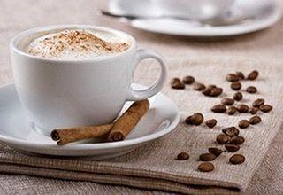Вот ещё рецептик... Вест - Индийский кофе  Ингредиенты для приготовления Вест - Индийского кофе на 3 порции: горячий кофе 2 кусочка сахара 20 мл рома 1 гвоздика тертая цедра половины лимона 1 десертная ложка сливок 1 стручек ванили. Как приготовить вест - индийский кофе: Для приготовления Вест - Индийского кофе сварите кофе вашим любимым способом и заполните чашку на 3/4.  Добавьте сахар ром гвоздику и лимонную цедру. Перемешайте и при помощи кондитерского шприца украсьте взбитыми сливками…