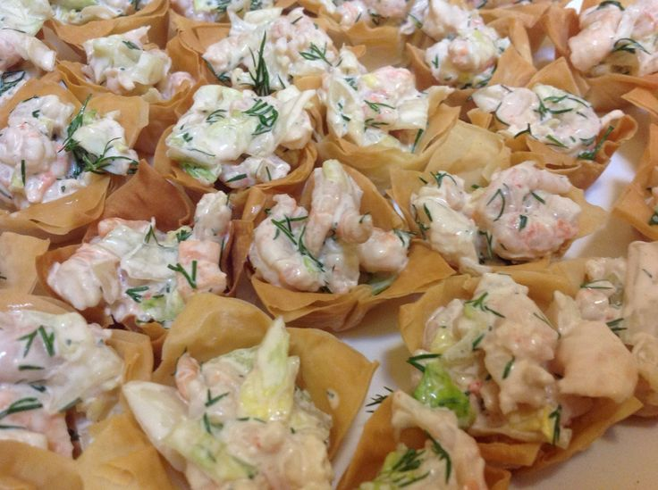 Prawn cocktails in filo pastry baskets