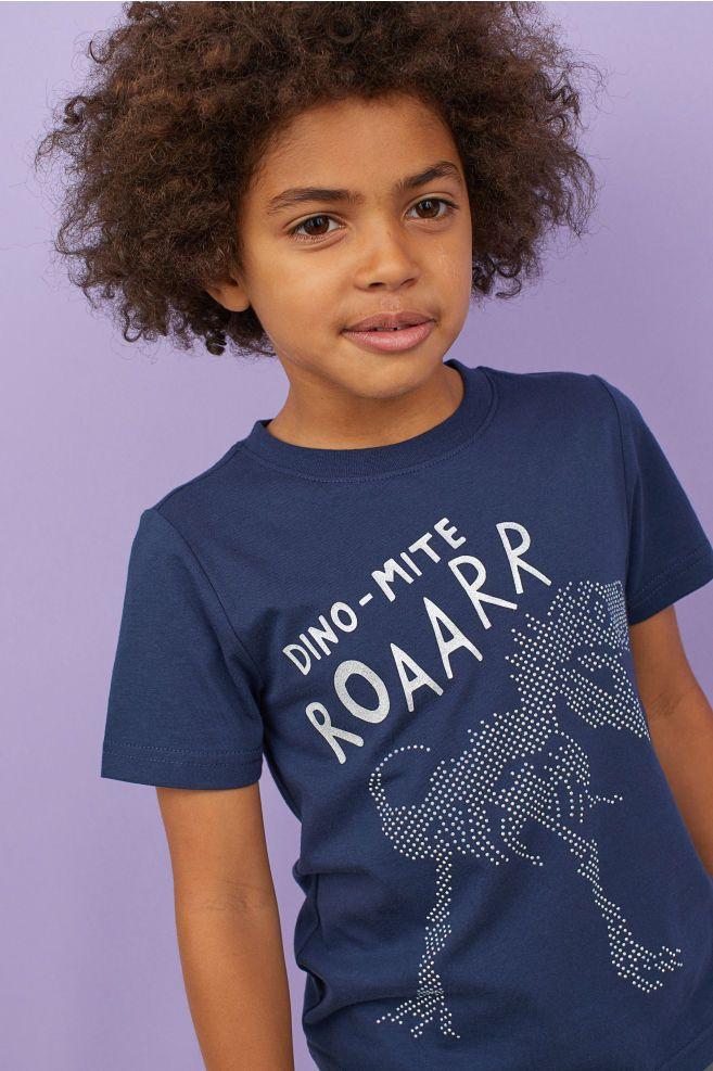 T Shirt With Motif Dark Blue Dinosaur Kids H M Us Babykleidung Kindermode Kind Mode