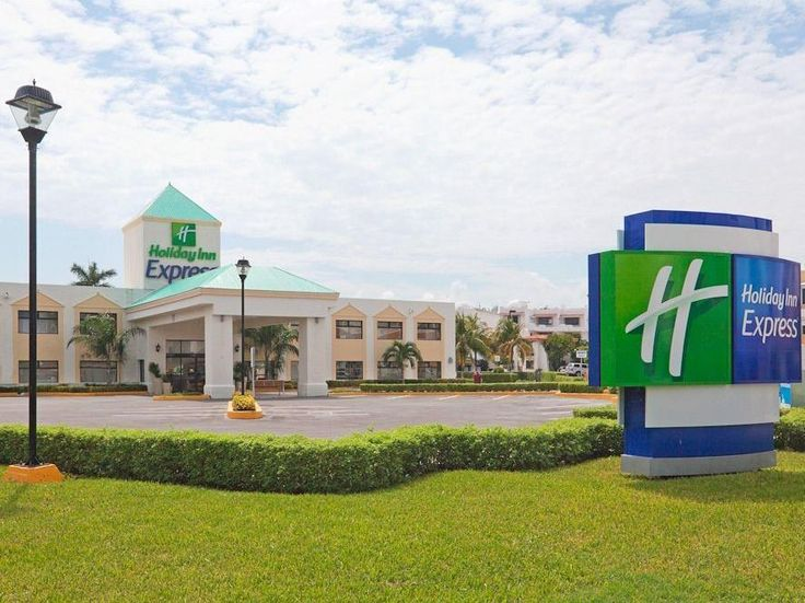 Cancun Holiday Inn Express Cancun Zona Hotelera Hotel Mexico, North America Ideally located in the prime touristic area of Hotel Zone, Holiday Inn Express Cancun Zona Hotelera Hotel promises a relaxing and wonderful visit. The hotel has everything you need for a comfortable stay. Service-minded staff will welcome and guide you at the Holiday Inn Express Cancun Zona Hotelera Hotel. Designed for comfort, selected guestrooms offer non smoking rooms, air conditioning, desk, televi...