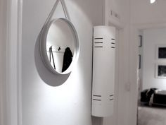 Simple Mirror For Your Home Interior Design | www.bocadolobo.com #bocadolobo #luxuryfurniture #exclusivedesign #interiodesign #designideas #mirrorideas #creativemirrors #originalmirrors #mirrordesigns