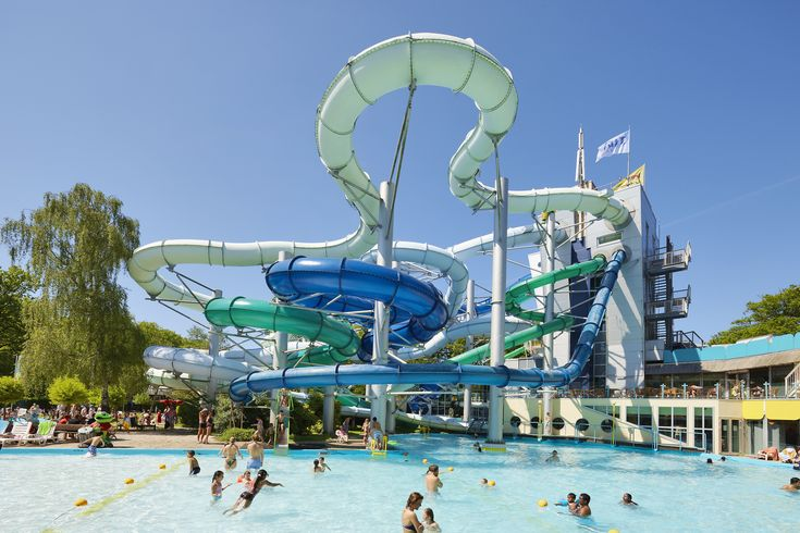 All photographs supplied by http://www.holidayparkspecials.co.uk and are their legal liability