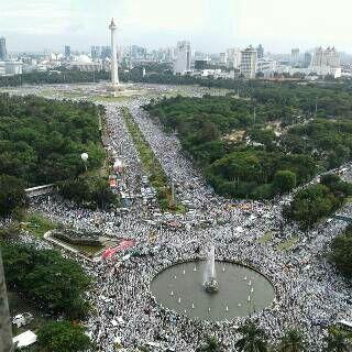 Polri Prediksi Cuma 200 Ribu, Ternyata Laporan Live TvOne: Jumlah Massa Aksi 212 Jauh Lebih Banyak dari 411 | Dakwah Media