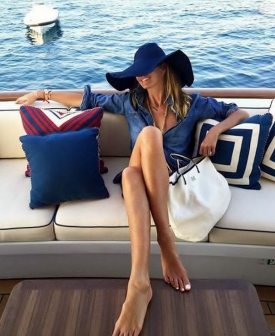 Relaxed St Tropez Style with Elle MacPherson
