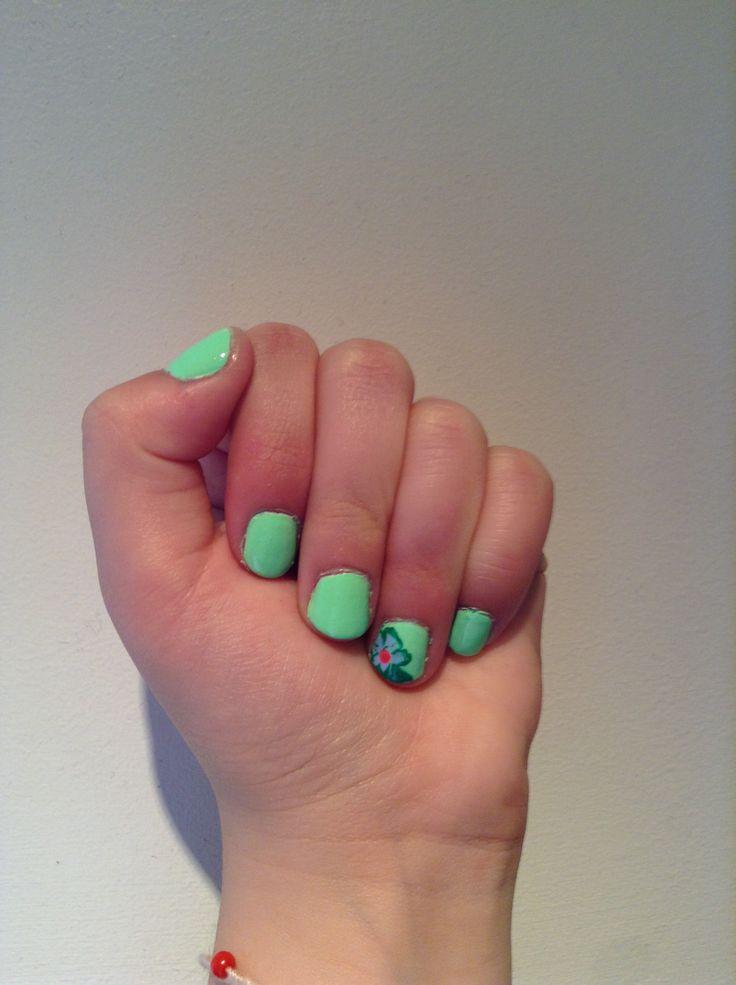 My nails! Green polish= duri in summer rain!