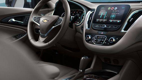 Интерьер гибридного Chevrolet Malibu Hybrid 2016 / Шевроле Малибу Гибрид 2016