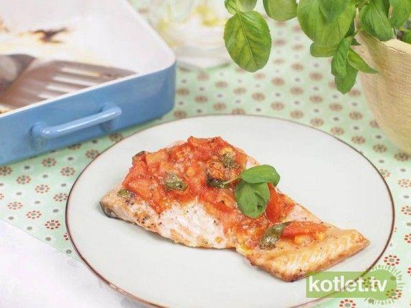 Łosoś z salsą pomidorową