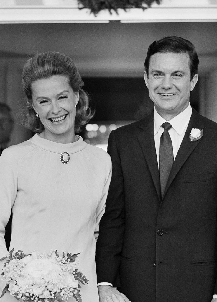 Birthday celebrant Dina Merrill and her then husband actor Cliff Robertson at their wedding in Dec 1966.