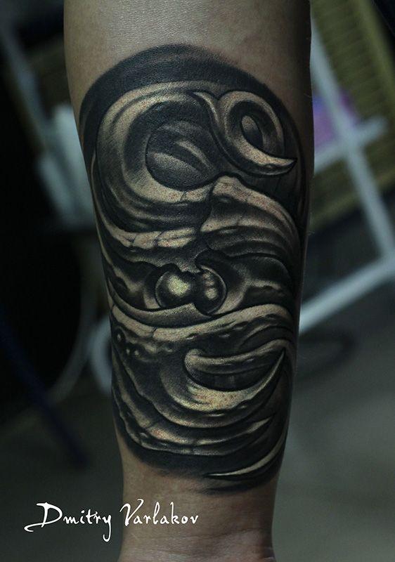 Эскиз мой / In my sketch  #varlakovtattoo #musthavetattoo #tattoo #tattoos #biomechanic #organic #blackandgraytattoos #tattooinmoscow #inkedup #татувмоскве #татуировка #татухи #органика #биомеханика