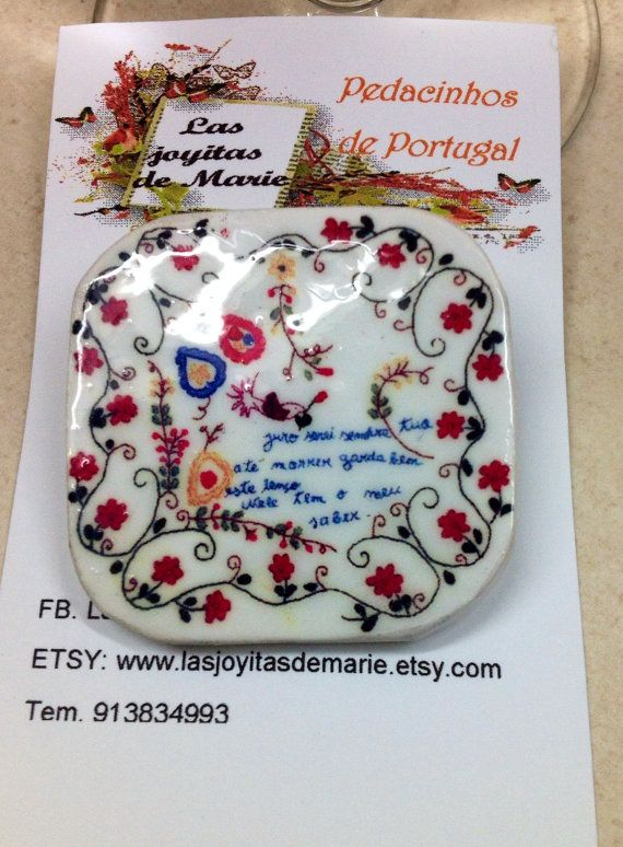 Bonito broche con réplica de un Lenço dos por LasJoyitasDeMarie, $11.50