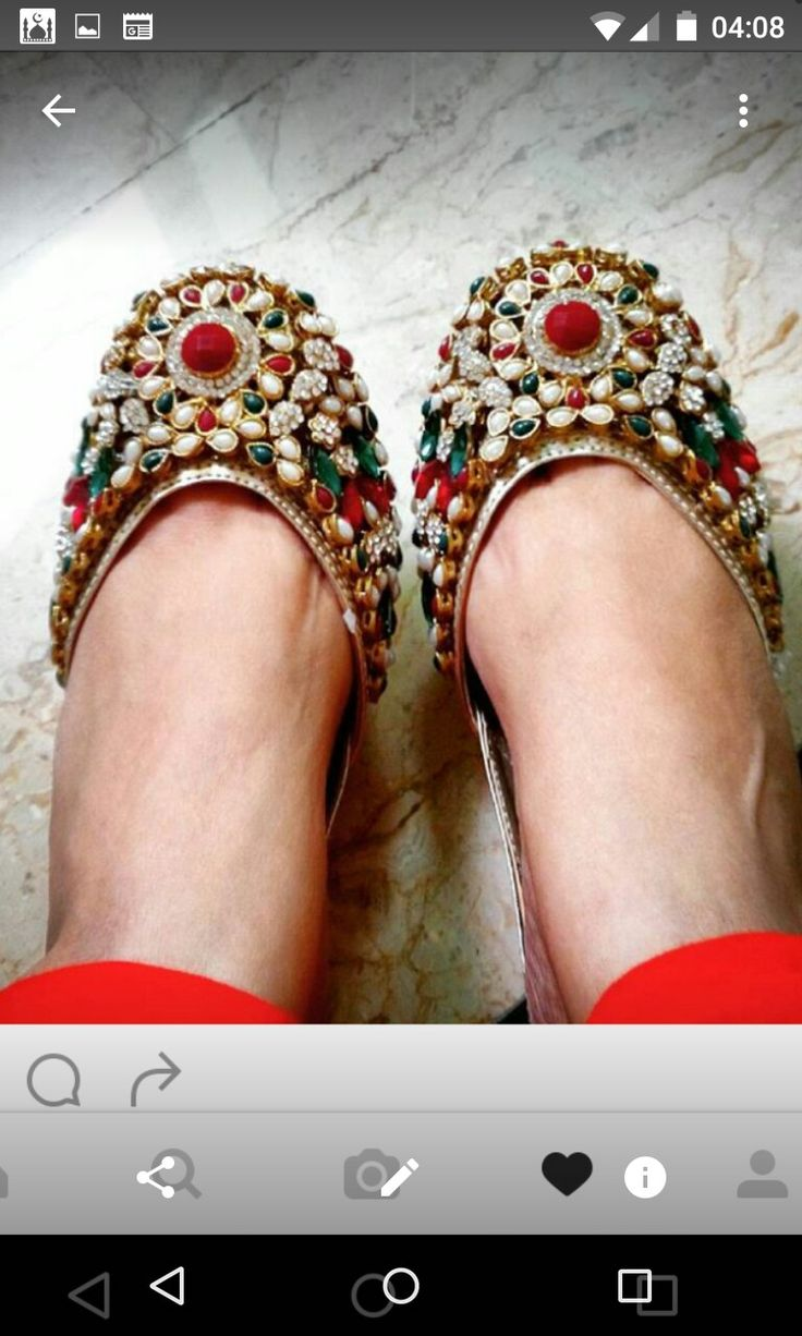 Kundan Jutti's. How beautiful are these...