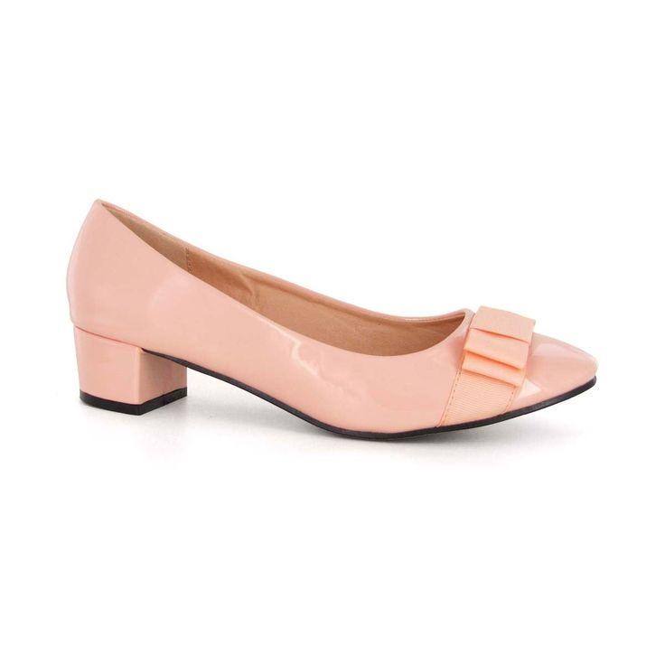Les 25 meilleures id es de la cat gorie chaussure rose - Ballerine rose poudre ...