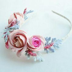 Headband. Handmade flowers. Flowers. Handmade. Handcrafted. Hair accessories. Wedding. Wedding accessories. Wedding flowers.