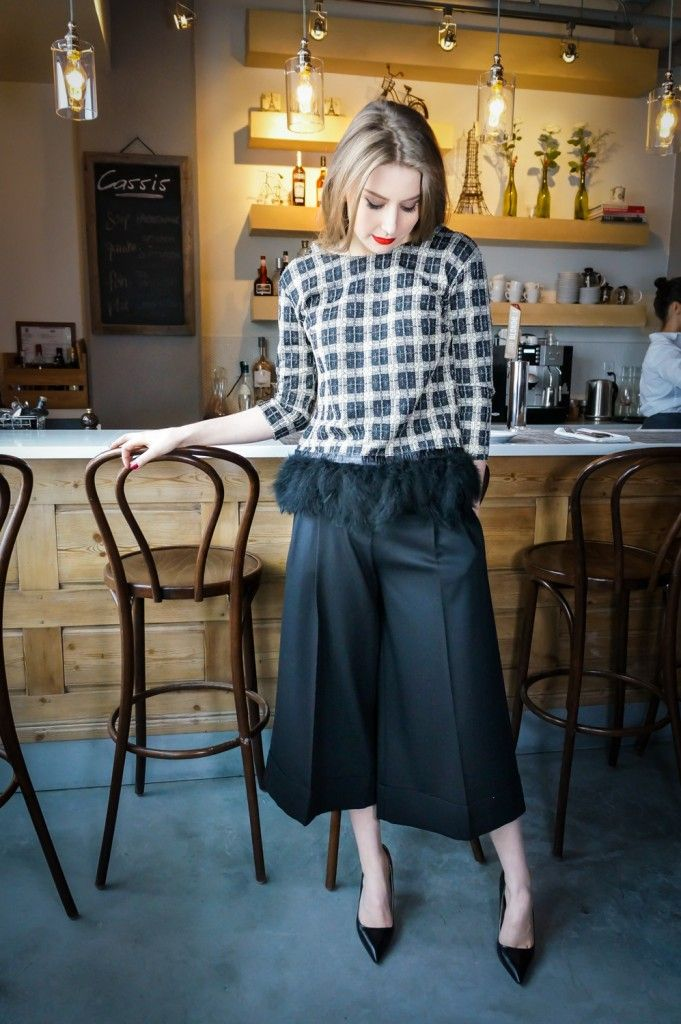 feather top, culottes, black cullotes, dressy, christmas outfit ideas, holidays style, winter holidays http://wardrobedetectives.ca/holidays-outfits/